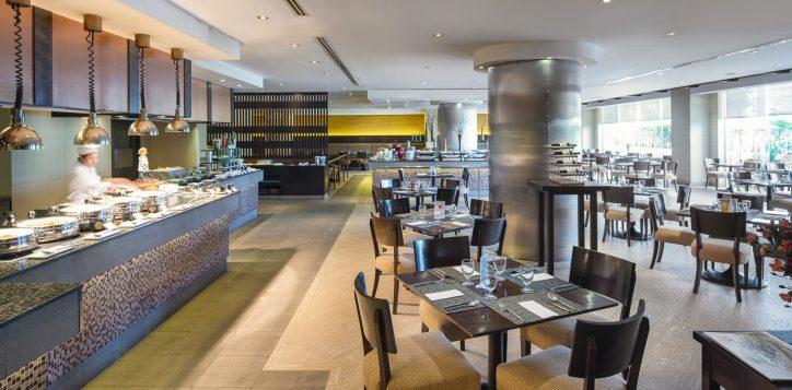novotel-bangkok-bangna-hotel-restaurants-and-bar-the-square-image01-2