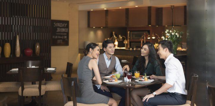 novotel-bangkok-bangna-hotel-restaurants-and-bar-the-square-image05-2
