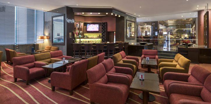 novotel-hotel-bangkok-bangna-gallery-bar-and-restaurant-the-bar-image02-2