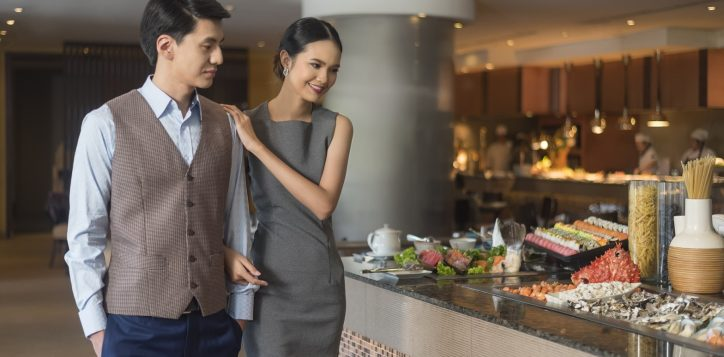 novotel-hotel-bangkok-bangna-gallery-bar-and-restaurant-the-square-image04-2