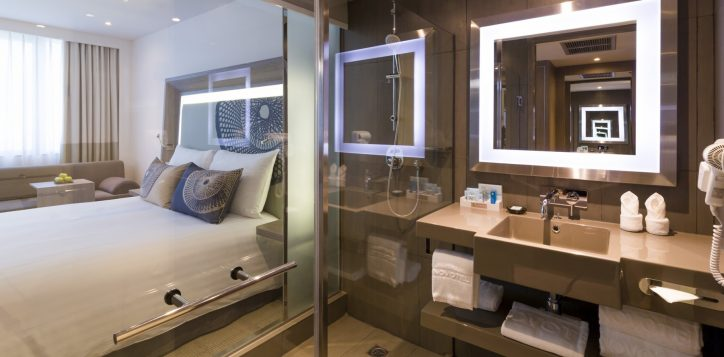 novotel-hotel-bangkok-bangna-gallery-executive-room-image02-2
