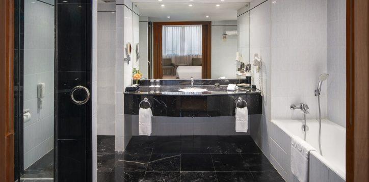 novotel-hotel-bangkok-bangna-gallery-executive-suite-image03-2